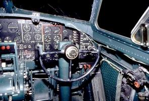 B-17 Cockpit_11