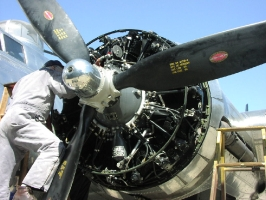 B-17 Engines_9
