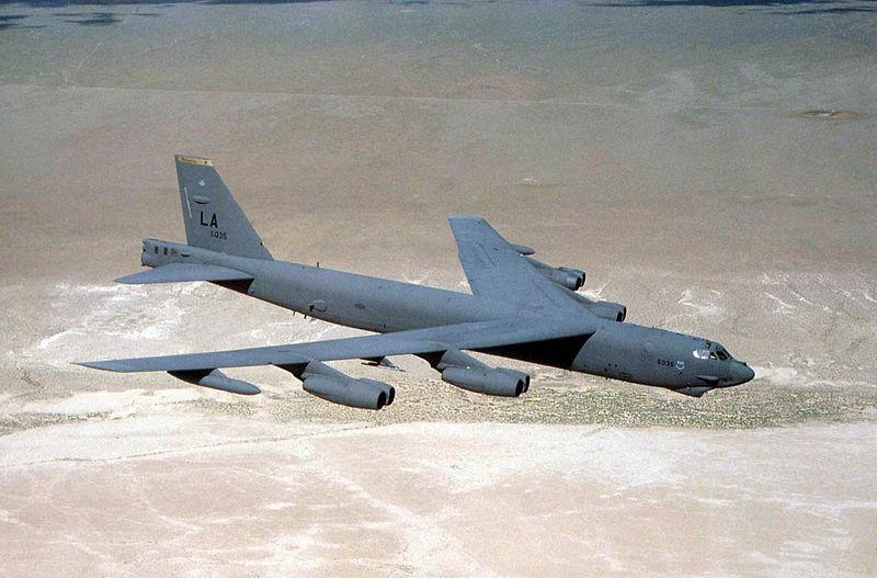 800px-Usaf.Boeing_B-52.jpg