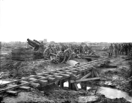 C01364-9.2_inch_howitzer_Ypres_1917.jpg