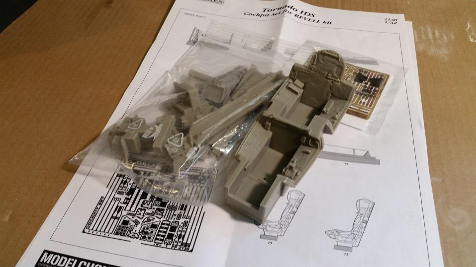 Cockpit01-2-3.jpg