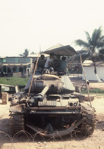 M-41_Walker_Bulldog_3.jpg