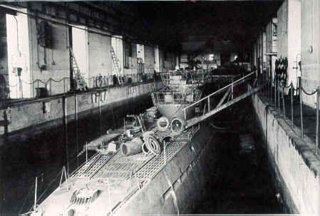2fcacc4ef7ba2d562b77700454325835--german-submarines-bunker.jpg