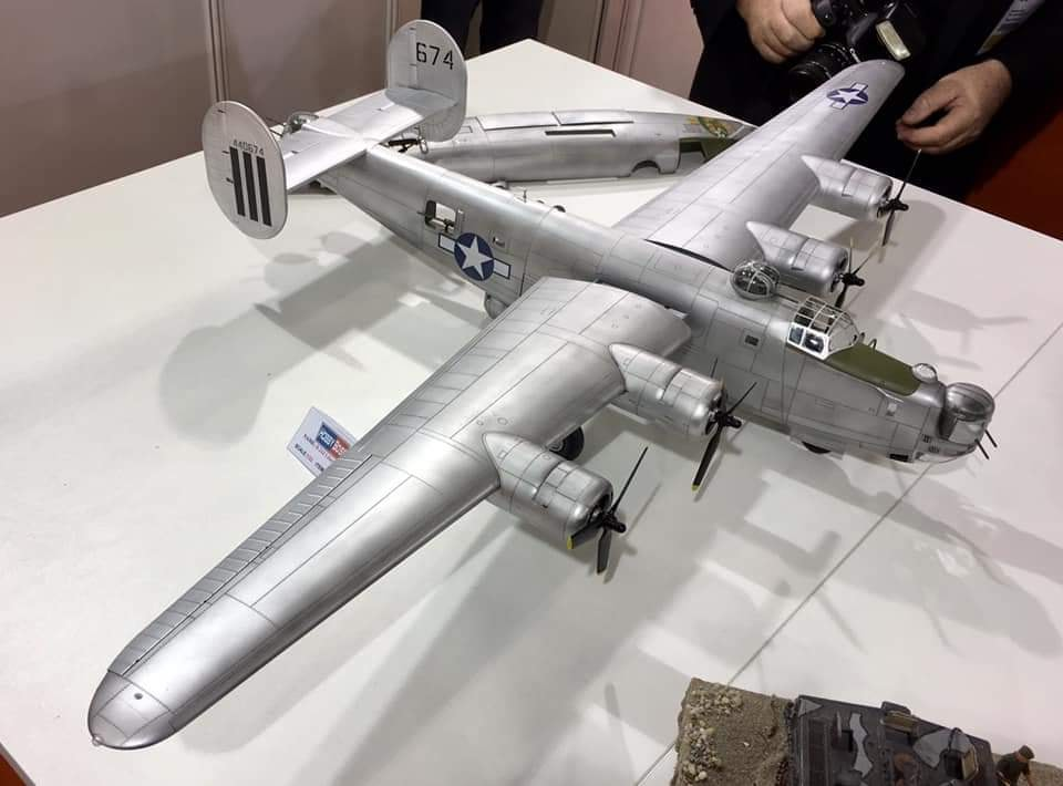 B-24J1-32HB.jpg