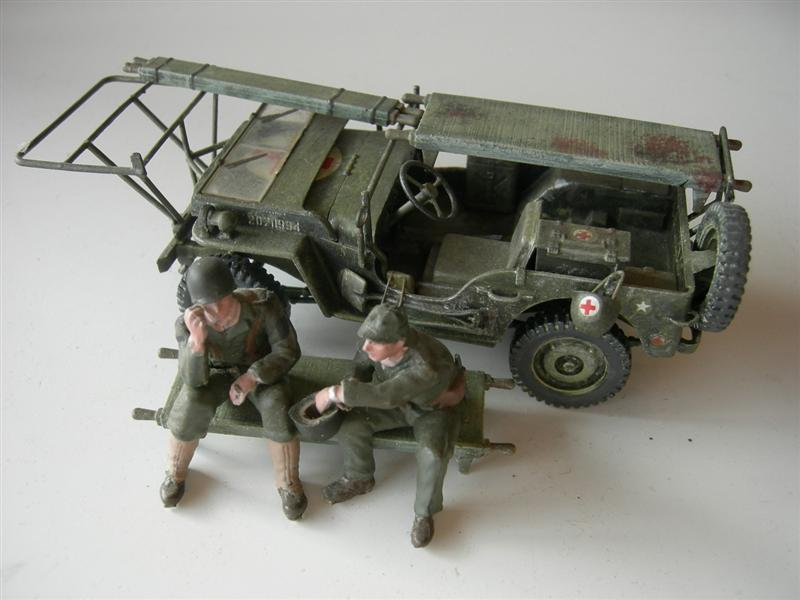 AmbulanceJEEP008Medium.jpg