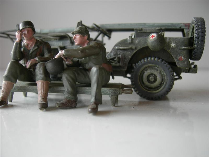 AmbulanceJEEP020Medium.jpg