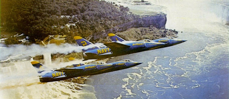 F11Fs_Blue_Angels_over_Niagara_Falls_c1957.jpg