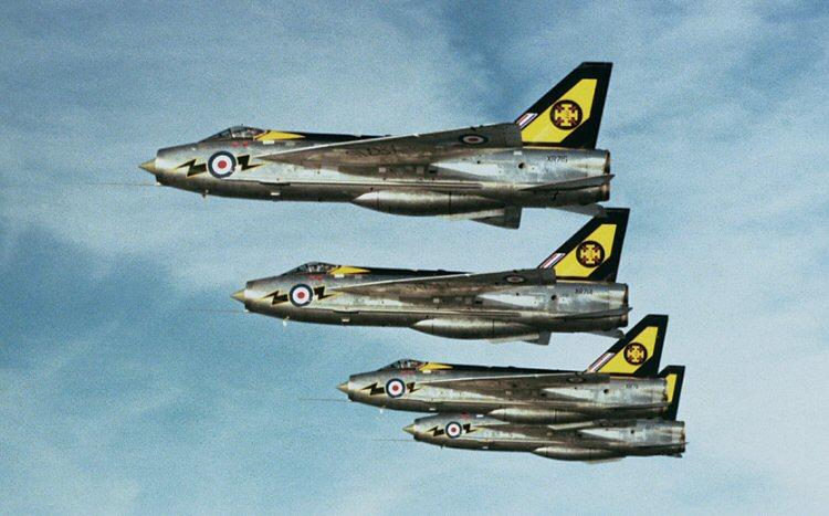 li5-Lightnings-111-Squadron.jpg