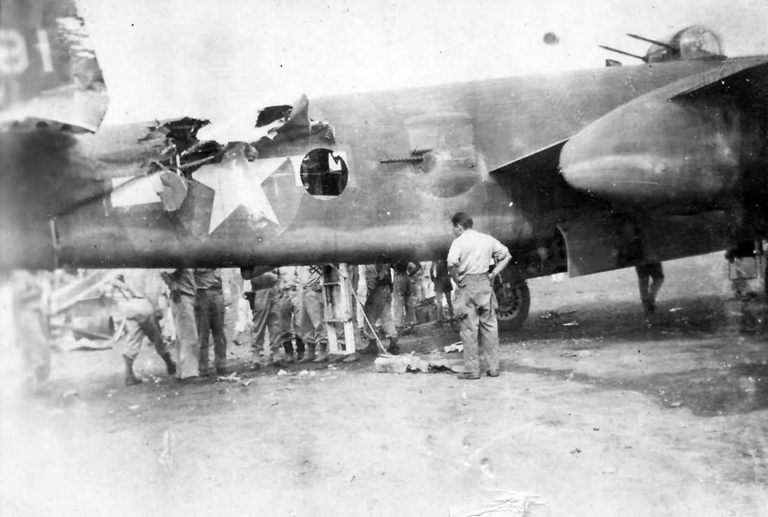 Damaged_B-25_Mitchell_Bomber.jpg