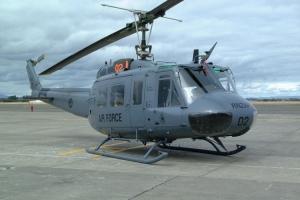 UH-1H_16