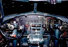 B-17 Cockpit_10