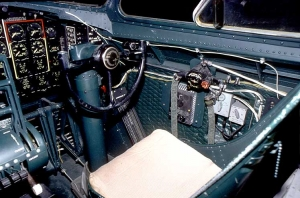 B-17 Cockpit_12