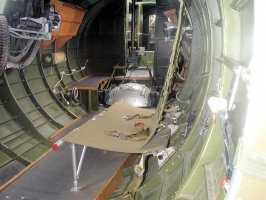 B-17 Waist Guns_9