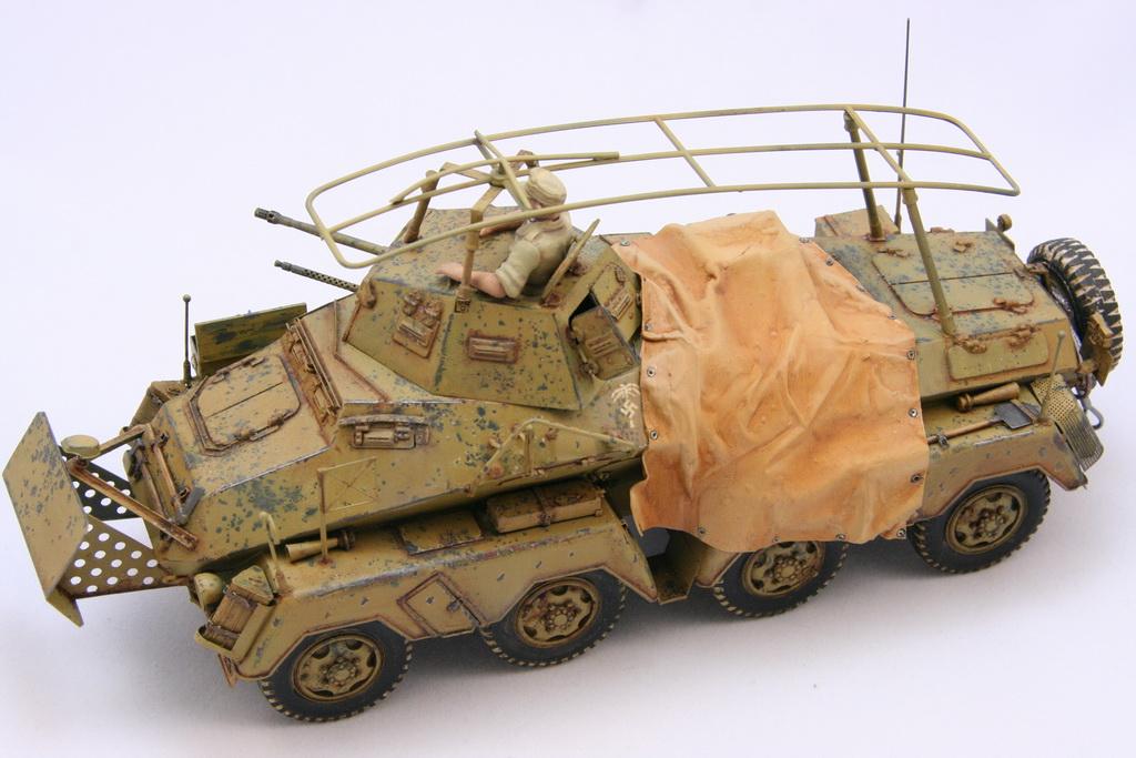 TamiyaSdKfz232SchwererPanzerspahwagen005.JPG