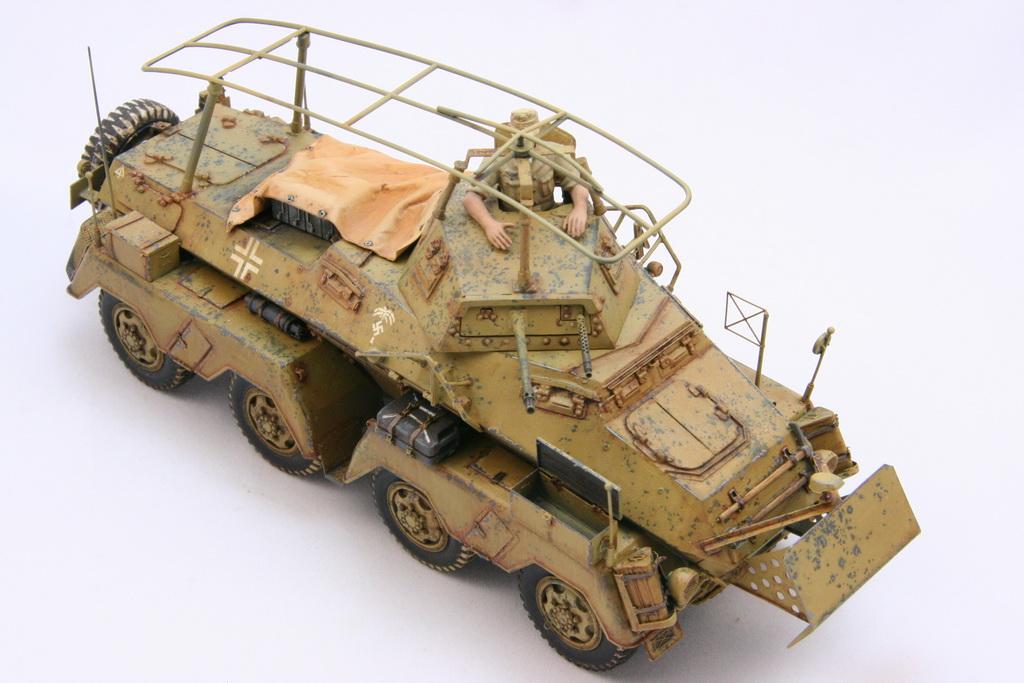TamiyaSdKfz232SchwererPanzerspahwagen006.JPG