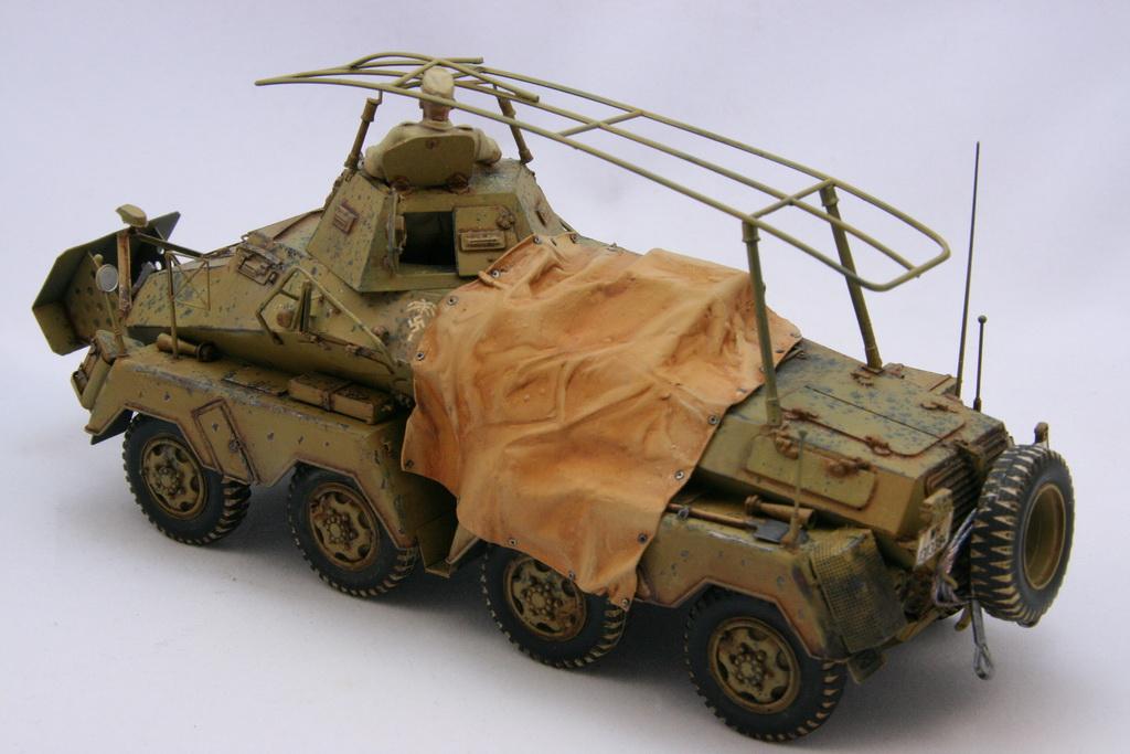 TamiyaSdKfz232SchwererPanzerspahwagen009.JPG