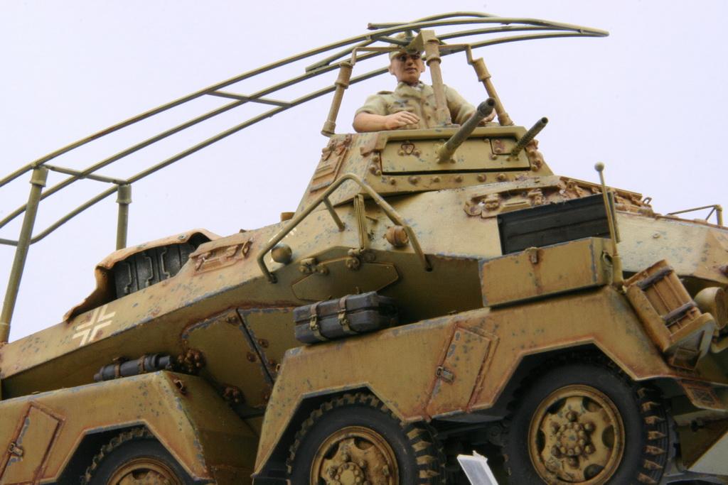 TamiyaSdKfz232SchwererPanzerspahwagen010.JPG